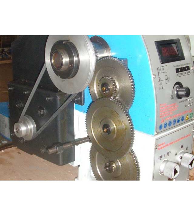 Настольный токарный станок WM250Vx750