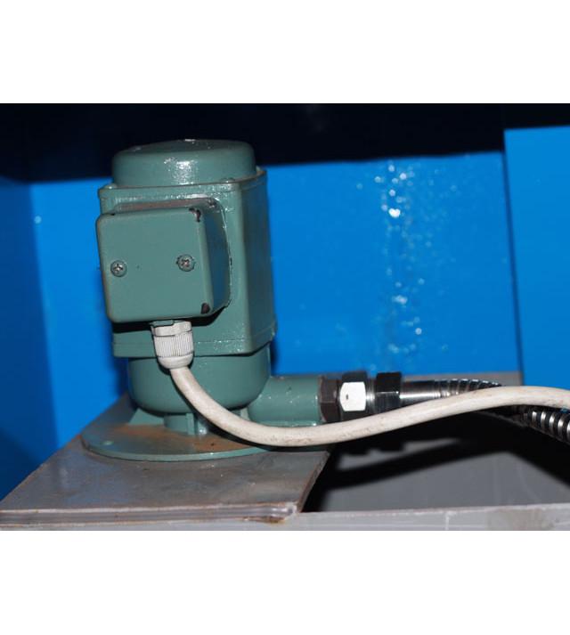 Токарный винторезный станок WM330